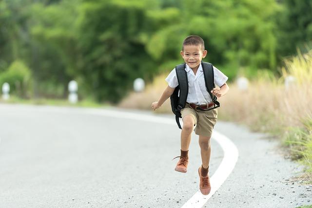 školáček na cestě